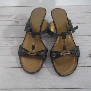 👠👠👠Black leather sandals by tchoco
